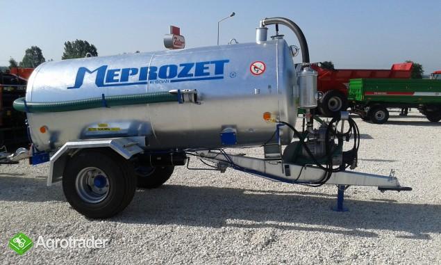 Wóz asenizacyjny firmy Meprozet beczkowóz 4300l