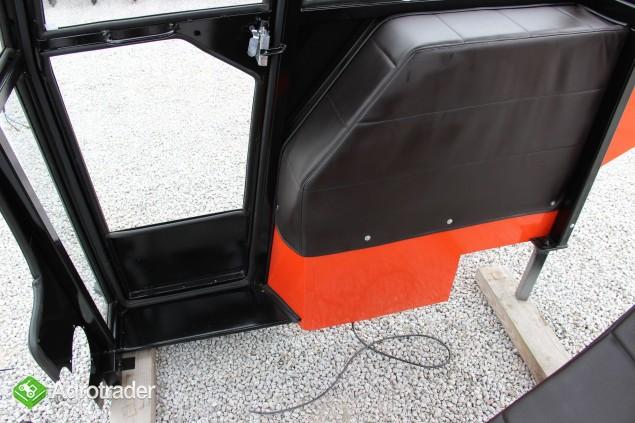Kabina ciągnikowa do ciągnika MF 235 255 LUX z błotnikami CE - zdjęcie 3