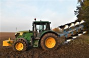 John Deere HIT 143 KM , 600 MTG HIT !