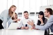 Bieten Sie einen schnellen Geldkredit, um Ihre Projekte durchzuführen