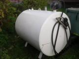 Emaliowany zbiornik paliwa z dystrybutorem 1500l.